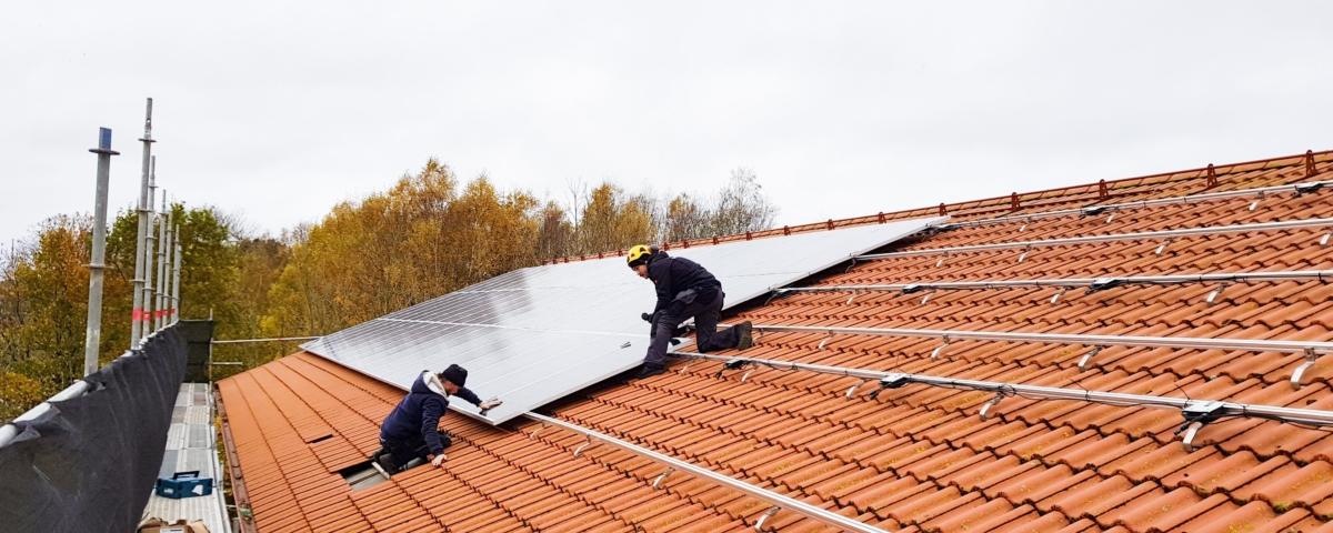 Installatörer på tak